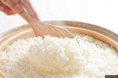 쌀에 코코넛 기름을 조금 넣어 밥을 해서 냉장고에 두었다 먹으면 쌀밥의 칼로리를 절반 이하로 줄일 수 있다는 연구결과가 나왔다.