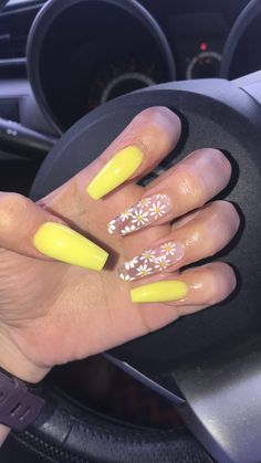 23 Clear Acrylic Nails That Are Super Trendy naildesignideas Clearacrylicnails bestnaildesignideas Clear Acrylic Nails, Summer Acrylic Nails, Spring Nails, Acrylic Nail Designs Coffin, Coffin Nails Designs Summer, Winter Nails, Sunflower Nails, Aycrlic Nails, Manicures