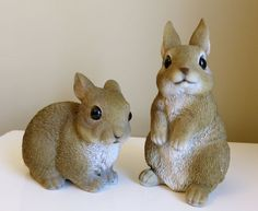 2 Rabbit Bunny Figurines Cabin Country Woodland Resin Statue Ornament New