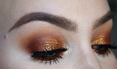 Using the morphe 35o palette, my favourite eyeshadow palette ever!