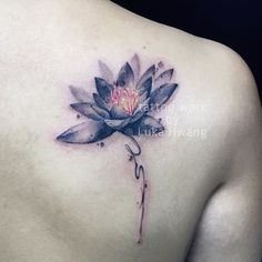Tattoo work. #tattoo #tattoos #lotus #lotustattoo #ink #inked #inkedskin #brush #flower #flowertattoo #watercolor #watercolortattoo #lotusart #girlswithtattoos #backtattoo #art #artwork #artist #guangzhou #guangzhoutattoo #粤
