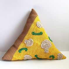 olivialawsart crochet pizza pillow