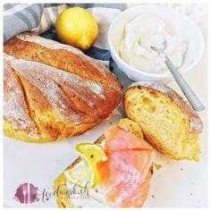 In der Schweiz ist das Brot backen eine Jahrhundertlange Tradition. Über 200 Sorten sind in unserem kleinen Land zu finden. Das Weissbrot wird immer weniger konsumiert während dem Dinkel- und Mehrkornmehle an Bedeutung gewinnen. Weissmehl gilt als ungesund und der Sättigungswert ist nicht gerade hoch. In vielen Schweizer Haushalten gibt es zum Abendbrot ein traditionelles+ Read More