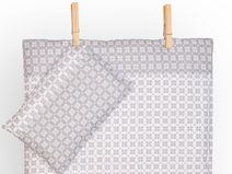 Bettwäsche weiße und graue Schneeflocken by KraftKids