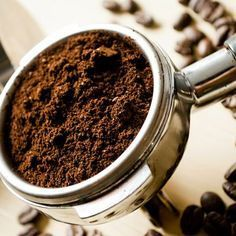 Espresso Cafe, Filter Coffee Machine, Coffee Facts, French Press Coffee Maker, Coffee Tasting, Frugal Meals, Coffee Beans, Dog Food Recipes, Mousse