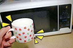 물 반컵이면 끝나는 전자레인지 청소 비법
