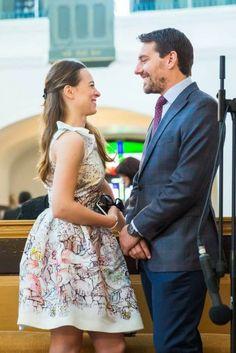 FOTO Principele Nicolae s-a logodit cu Alina Maria Binder Queen Victoria, Queen Anne, Romania, Royalty, Daughter, Entertainment, Summer Dresses, Fashion, Houses
