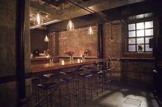 dream bar room.
