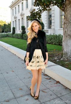sweet holiday outfit {love the skirt and heels}