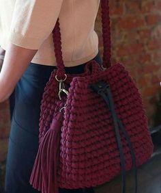 Crochet Backpack, Crochet Tote, Crochet Handbags, Crochet Purses, Diy Crochet, Crotchet Bags, Knitted Bags, Crochet Designs, Crochet Patterns