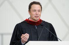8 libros que inspiraron a Elon Musk