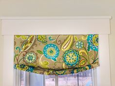 Getting creative with a yard of fabric! - Plaids and Poppies Fabric Roman Shades, Faux Roman Shades, Pillow Storage, Window Coverings, Window Treatments, Extra Fabric, Bold Prints, Have Some Fun, Easy Projects