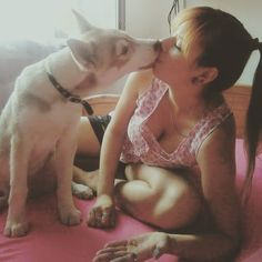 #kiss #huskypuppy #siberianhusky #dog