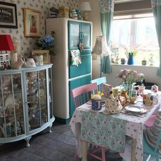 It's raining cats and dogs here so no garden action today! Off for a mooch round the shops and garden centre. What's everyone else up to? #shabbychic #shabbychichome #cathkidston #larder #myvintagehome #vintagehome #upcycled #floral