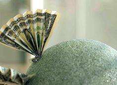 Plays With Needles: The Money Tree