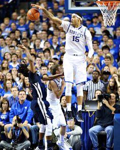 Willie Cauley-Stein of the Kentucky Wildcats blocks a shot!!