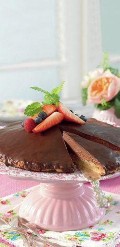 Bittes biskvitårta - Recept - Stowr Bitter, Tart, Panna Cotta, Ethnic Recipes, Food, Cake, Dulce De Leche, Meal, Pie