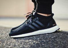 Adidas Ultra Boost - Core Black (by @jonomfg)