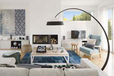 Gorgeous summer house blurs indoor-outdoor boundaries in Mallorca