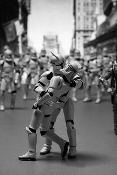 365 Days of Clones – Recréer les photos et les affiches cultes avec des jouets Star Wars   Ufunk.net