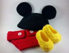 Items similar to Crocheted Newborn Mickey Inspired Photo Prop Beanie and Diaper Cover with Booties on Etsy Crochet Baby Clothes, Newborn Crochet, Crochet Quilt, Love Crochet, Knitted Hats, Crochet Hats, Crochet Photo Props, Baby Hats, Crochet Projects