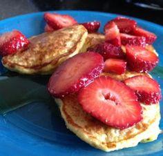 Oatmeal Cottage Cheese Pancakes: Ingredients 1/2 cup oatmeal 1/2 cup cottage cheese 1 teaspoon vanilla 4 egg whites