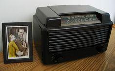 Restored Vintage 1948 General Electric AM / FM Bakelite Table Radio | eBay