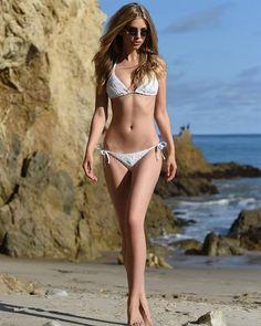 marina-laswick-bikini.jpg (500×625)