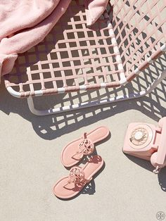 An extremely comfortable style for sunny days and warm getaways, our popular Miller Sandal — in smooth pink leather with a laser-cut logo — goes with just about anything in your wardrobe.