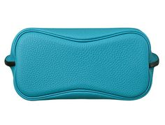 Hermes - So Kelly bag in turquoise leather. Base view.