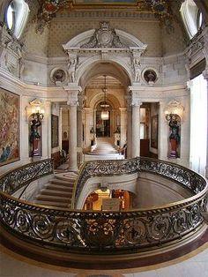 Cheteau de Chantilly  Hall of Honor.