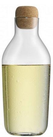 Elegancka karafka Taverno marki WMF nadaje się do wody, soku oraz wina. Tworzy niesamowitą atmosferę przy stole. Minimalistyczny kształt sprawia, że karafka doskonale sprawdzi się zarówno w nowoczesnych jak i bardziej klasycznych wnętrzach.