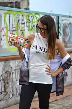 #Streetstyle outfit for #Elisazanetti, here with her #LOQI zip pocket!