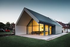 View full picture gallery of Studio Di Architettura A Erdőhorváti Small House Design, Modern House Design, Residential Architecture, Modern Architecture, Casa Bunker, Modern Barn House, Rural House, Forest House, Facade House