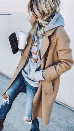 Neue Strickmode 2020 - Fashion Bloge - #falloutfits - Dieser Herbst ist bei mir wohl ein Schal-strick-Herbst. Denn nicht nur, dass in wenigen Wochen wieder ein Schal fürs Leben kommt und ich gerade noch einen weiteren Schal stricke, habe ich mir einen gestreiften Schal mit Halbpatent Muster gestrickt. Und den will ich heute zeigen. Das Halbpatent eignet sich besonders gut fürs einfache Stricken von Schals, weil es das Strickwerk ein wenig voluminöser macht, was ja gerade für einen Schal… Casual Winter Outfits, Casual Outfit Men, Casual Outfits For Work, Winter Outfits For Teen Girls, Fashion Casual, Business Casual Outfits, Fall Fashion Outfits, Spring Outfits, Autumn Fashion