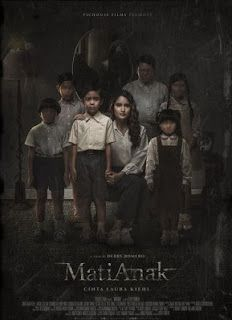MatiAnak After dying from a strange illness that she suffered for 3 years, a mother returns home to pick up her. Watch Trailer & Find Out More! Horror Posters, Film Posters, Latest Horror Movies, Free Movie Downloads, Strong Personality, Drama Korea, Movie Trailers, Naive, Kid Names