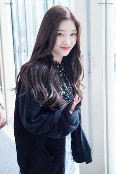 dedicated to female kpop idols. South Korean Girls, Korean Girl Groups, Jung Chaeyeon, Choi Yoojung, Kim Sejeong, Girl Attitude, Korean Actresses, Ioi, Chinese Actress