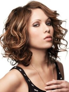 Color: Light brown with blonde and red highlights  Texture: Wavy. Love the look, my problem is that with curly hair I'm just not sure it will look this cute. Really want to cut my hair jut so easy to pull up long