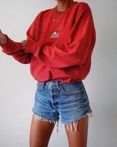 OVERSIZED SWEATERS AND CUT OFF SHORTS – clothing, places to go and fly ish
