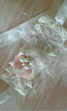 Wedding Tieback - Baptism Hair,Beautiful Headband - Dainty Tie Back,Girl Wedding Hair,Elegant Bows,Baby Couture,Pearls Tieback. Baptism Headband, Wedding Headband, Wedding Hair, Red Minnie Mouse, Minnie Bow, Baby Couture, Baby Hair Bows, Black Headband, Ear Headbands