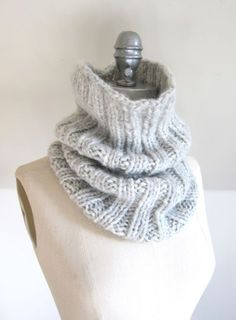 Last weekend, in between knitting hats for 25,000 Tuques, I decided to cast on a cowl in one of my new favourite yarns. DROPS Cloud is a deliciously light blend of baby alpaca and cozy merino wool....