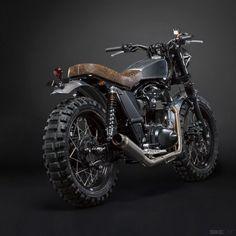 Kawasaki W800 scrambler, by Italian shop Di Ferro Motorcycles