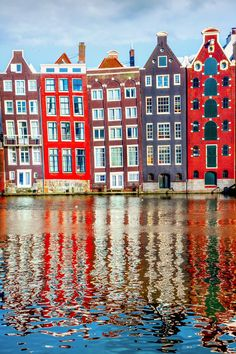 Absorb the canal-front sights of Amsterdam on a leisurely sightseeing cruise!