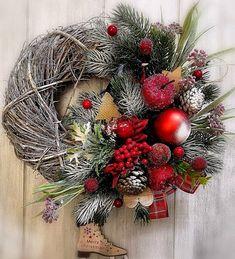 Holidays And Events, Christmas Wreaths, Holiday Decor, Inspiration, Home Decor, Crown, Christmas Swags, Biblical Inspiration, Homemade Home Decor