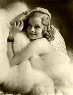 Jean Harlow - love old Hollywood glamour. Vintage Glamour, Old Hollywood Glamour, Golden Age Of Hollywood, Vintage Hollywood, Hollywood Stars, Vintage Beauty, Classic Hollywood, Hollywood Icons, Hollywood Glamour Photography