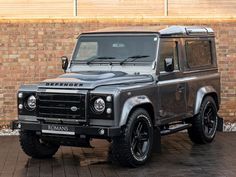 Land Rover 2014, Used Land Rover Defender, Defender Camper, Defender 90 For Sale, Station Wagons For Sale, New Luxury Cars, Terrain Vehicle, All Terrain Tyres, Black Doors