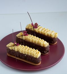 Food Tech, Fancy Desserts, Sweets Cake, Small Cake, Toblerone, Pavlova, Mini Cakes, Tray Bakes, Cake Cookies
