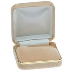 Dawn Rose Velvet Pendant or Earring Box...(ST61-7249:178216:T).! Price: $19.99 #earringbox #jewelrybox