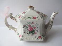 Vintage Ellgreave English Pink Rose Teapot by jenscloset on Etsy