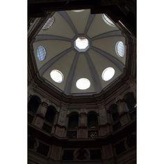 Battistero Chiesa di San Satiro - Milano. #milano #architecture #battistero #bramante #cupola #nofilter #volgomilano #milanodavedere #igersmilano #ig_milano #beniculturali #postcard #architecturephotography by fe_vil